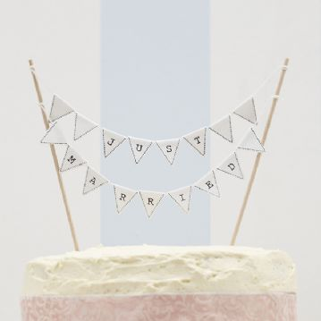 """Just Married"" White Mini Wedding Cake Bunting"